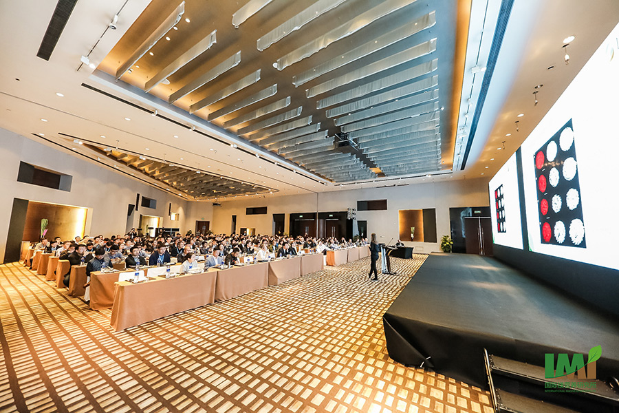 View to the auditorium during the presentation of Junior-Professor Merle Tränkner. The symposium took place in the Grand Hyatt Hotel in Pearl River New City of Guangzhou. (Photo: IMI)