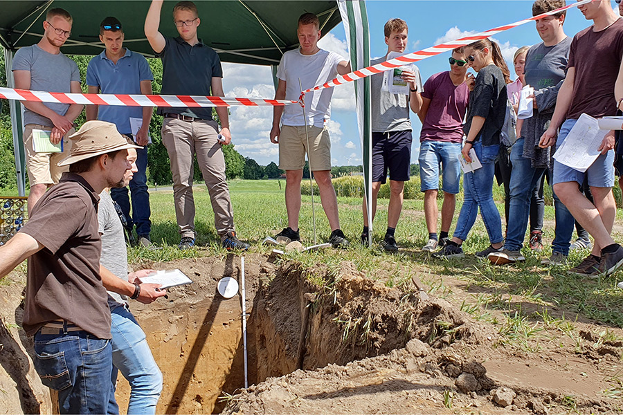 Field Day in Hamerstorf (Photo: Dittert)